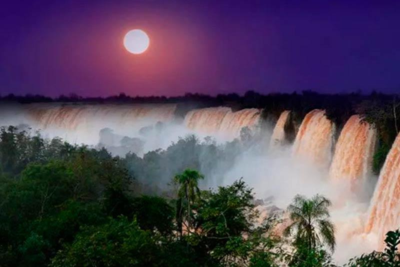 Cataratas Iguazú cena a la luz de la Luna